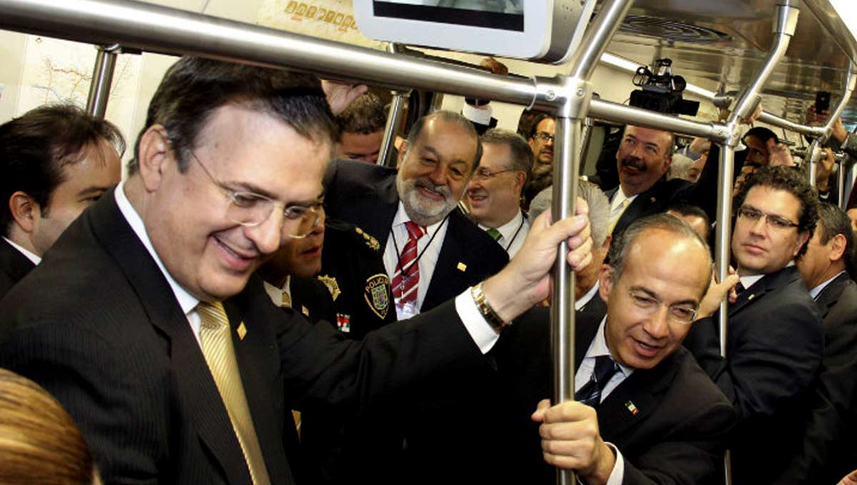 Marcelo Ebrard y Felipe Calderón inauguran la línea 12 del metro en Ciudad de México